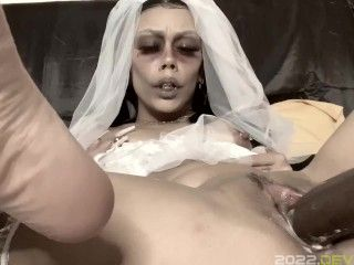 Spooky Bride Gets Fucked Hard by Sex Machine & Squirts