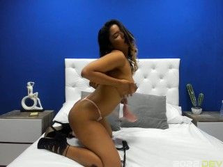 PENELOPE BRANDD - SEXY INTRODUCTION VIDEO PH