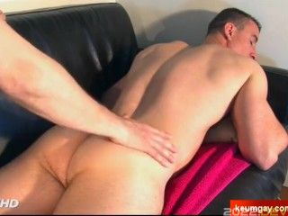 True straight male in 1rst gay porn gets wanked by a guy. Paul