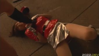 Japanese Heroine - lesbian chest trampling and cuntbusting
