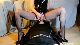 Mistress facesitting orgasms on slave in smother box pussylick asslick