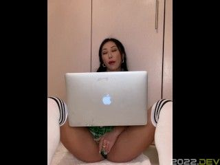 Horny Asian Student Nicole Doshi Plays With Herself During Online Class